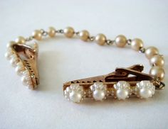 Vintage Sweater Clip, 50s Faux Pearl Sweater Clip, Gold Tone and Flower Like White Bead Jewelry