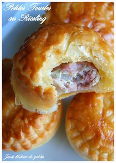 A very simple and really delicious recipe, it is always a great success at home … and in the workshop ! These small pies are to be served by 2 or 3 with a salad as a starter, or larger in tartlet prints (see large … Cooking Chef, Cooking Recipes, Tapas, Pie Co, Appetisers, I Foods, Appetizer Recipes, Breakfast Recipes, Sandwiches