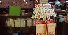 香港的素食店,越來越多,而且有不少都朝素食自助餐這一個方向來做一個大眾化,務求大家來到,食素食到飽的福地。   在荃灣的悅來商場,有一間名叫《Red Mango》的餐廳,主打的,就是素食的自助餐。我們就在家庭大聚會的一天來品味這店,志在不用想要點什麼,吃什麼。