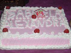 bolo de morangos com recheio de amoras frescas