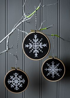 Thrilling Designing Your Own Cross Stitch Embroidery Patterns Ideas. Exhilarating Designing Your Own Cross Stitch Embroidery Patterns Ideas. Cross Stitch Christmas Ornaments, Xmas Cross Stitch, Christmas Embroidery, Modern Cross Stitch, Cross Stitch Kits, Christmas Cross, Cross Stitching, Cross Stitch Embroidery, Embroidery Patterns