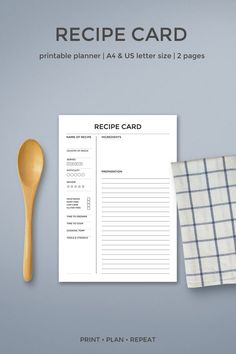 Create your own printable cookbook or recipe binder and take control of the kitchen with these recipe card printables. Family Recipe Book, Recipe Books, Diy Recipe Book, Family Recipes, Cookbook Recipes, Cookbook Ideas, Cookbook Design, Cookbook Display, Homemade Cookbook
