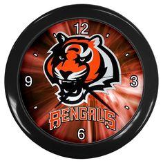 """Cincinnati Bengals NFL Team [10"""" Wall Clock Black Frame]"""