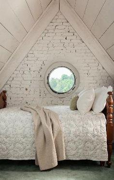 Inn at Woodhaven: Attic Suite