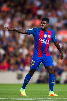 Samuel Umtiti of FC Barcelona gestures during the Joan Gamper trophy match between FC Barcelona and UC Sampdoria at Camp Nou on August 10, 2016 in Barcelona, Catalonia.