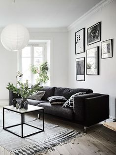 Decoración de interiores con blanco y negro https://cursodeorganizaciondelhogar.com/decoracion-de-interiores-con-blanco-y-negro/ Interior decoration with black and white #Decoracion #decoraciónblancoconnegro #Decoraciondeinteriores #Decoracióndeinterioresconblancoynegro #decoraciónmoderna #homedecor #Ideasdedecoracion