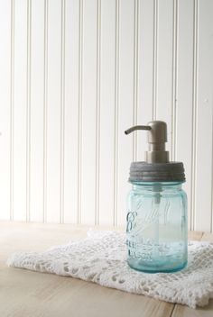 PINT Mason Jar Soap Dispenser by postroadvintage on Etsy Mason Jar Soap Pump, Pint Mason Jars, Mason Jar Soap Dispenser, Blue Mason Jars, Soap Dispensers, Modern Outdoor Living, Boy Bath, Diy Cleaning Products, Cleaning Solutions