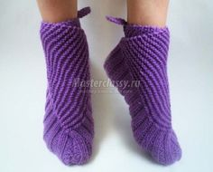 slippers on two spokes Crochet Shoes, Knit Crochet, Knitted Slippers, Knitting Socks, Leg Warmers, Sewing, Accessories, Diy, Fashion