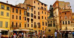 Campo de' Fiori in the heart of Rome http://duespaghetti.com/2011/06/12/la-pizza-rossa-a-campo-dei-fiori/