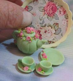 inspiration , love those little roses http://www.etsy.com/shop/MiniaturaBrasileira
