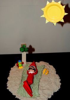 Elf On The Shelf -- Beach day! (Click on picture to see more great Elf On The Shelf ideas!)