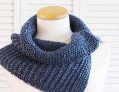 Knitting Pattern Cowl Stripes Denim Blue