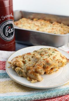 A deliciously spicy chicken casserole based off of the famous creamy artichoke dip. Spicy Chicken Recipes, Crab Recipes, Low Carb Recipes, Dinner Recipes, Artichoke Chicken, Artichoke Dip, Keto Casserole, Chicken Casserole, Pesto Recipe