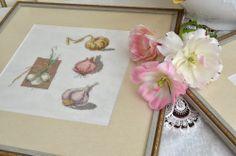Дизайнер -Veronigue Enginger,  книга  «Dans mon jardin au poit de croix», вышивка выполнена на  Cashel Linen 28 Vintage  (Dune 1079) нитками DMC по ключу, размер вышивки 26-26 см.