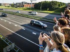 Weer vliegtuigen met kisten geland in Eindhoven