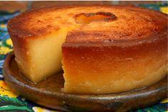 Esse bolo é super famoso em pernambuco, então trouxemos aqui pra vocês essa delicia de bolo. Vamos nessa e mão na massa INGREDIENTES 18 gemas 6 xícaras de leite de coco grosso ( puro – não industrializado) 1 kg de açúcar; 1 kg de massa de mandioca; 2 colheres de sopa de manteiga; 1 colhe …