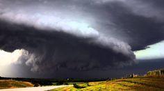 On The Spot - 7 Tornado Mengerikan di Dunia