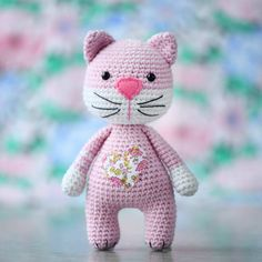 """""""Crochet Kittens"""" kit and a booklet including 10 amigurumi cat patterns is an exclusive product for US market and will be sold at Barnes and Noble. Crochet Cat Pattern, Crochet Amigurumi Free Patterns, Cat Crochet, Crochet Ball, Cute Stuffed Animals, Doll Tutorial, Amigurumi Toys, Stuffed Toys Patterns, Crochet Designs"""