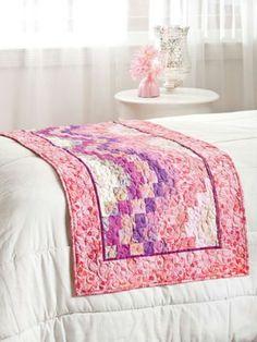 Bargello bed runnet
