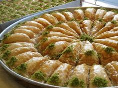 ro - foter_com Sweets Recipes, Cooking Recipes, Crunches, Felicia, Food And Drink, Pies, Flaky Pastry, Turkish Cuisine, Fine Dining