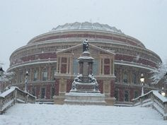 Royal Albert Hall in the snow. The Iron Lady, Castles In England, Royal Albert Hall, Let It Snow, Countries, Taj Mahal, Places To Go, Houses, Homes