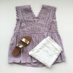 [mbroidered lilac linen top + white denim + metallic flats