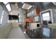 2014 Airstream International Serenity 27FB (Queen Bed)