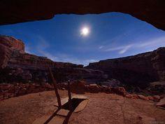 Perfect Kiva Anasazi Ruins, Grand Gulch, UT