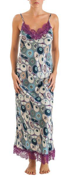 Long silk nightdress with japanese umbrella print and cotton lace details (nightgown or dress...is up to you!!) Composition: 30% silk 70% viscose http://grazialliani-shop.com/en/sottoveste-lunga-seta #Chemise #BabyDoll #Sleepwear #sottovesti #outwear #miniabiti #Grazialliani #Loungewear