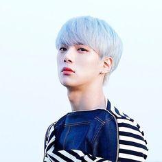 I don't like two faced people @official_monsta_x #monstax #monsta_x #starshipentertainment #wonho #hyungwon #jooheon #kihyun #changkyun #shownu #minhyuk #monbebe #원호 #형원 #셔누 #기현 #주헌 #민혁 #아이엠 #IM #몬스타엑스 #shine_forever #gravity