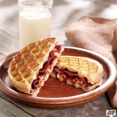 What do you get when you combine crunchy peanut butter, natural concord grape spread, bacon, and waffles? Breakfast perfection! Just layer peanut butter, fruit spread and bacon on one side of 2 waffles. Place remaining waffles on top, then cook in a skillet and enjoy.