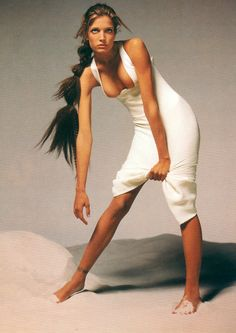 Stephanie Seymour for Versace´s spring/summer 1993 by Avedon.