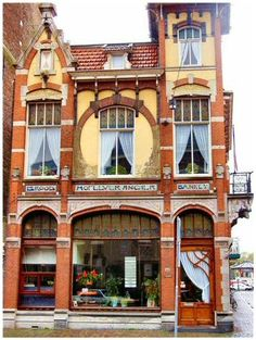 Art deco, art nouveau, jugendstil and the like in 2019 - jugendstil, archit Architecture Design, Art Nouveau Architecture, La Haye, Jugendstil Design, Shop Fronts, Shop Window Displays, Art Decor, Beautiful Places, Around The Worlds