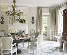 Splendid Sass: DINING ROOM BLISS,  very fresh feeling, beautiful draperies