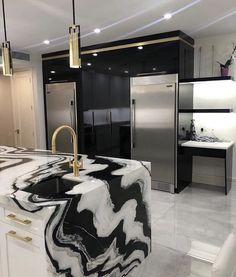 57 Stylish Homes With Modern Interior Design Luxury Kitchen Design, Kitchen Room Design, Dream Home Design, Home Decor Kitchen, Modern House Design, Gold Kitchen, Design Bathroom, Dream House Interior, Luxury Homes Dream Houses