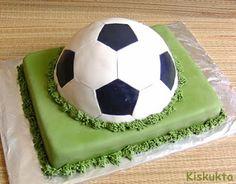 Kiskukta torta: Focilabda torta Cake Decorating, Decorating Ideas, Soccer Ball, Minion, Marvel, European Football, Minions, European Soccer, Soccer