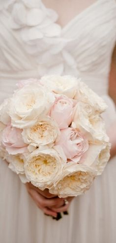 white and blush bouquet