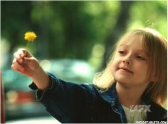 """""""She showed him that it was all right to live, again."""" And, he never forgot it! Dakota Fanning and Denzel Washington in """"Man On Fire"""". Avan Jogia, Dakota Fanning, Fire Movie, Movie Tv, Series Movies, Movies And Tv Shows, Color In Film, Tony Scott, Man On Fire"""
