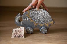 """Toy """"Elephant"""" grey / modern art / handmade / ornaments / slon"""