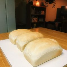 Mom's Easy Homemade Bread - Little Sustainable Steps My Favorite Food, Favorite Recipes, Bread Storage, 5 Ingredient Recipes, Easy Bread, Fresh Bread, Cooking Recipes, Bread Recipes, Veg Recipes