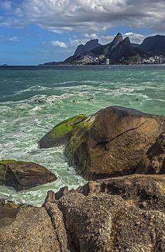Rio de Janeiro, Brasilien, Arpoador Strand, Ipanema. Foto: Felix richter Medium Art, Water, Outdoor, Rio De Janeiro, Pictures, Brazil, Social Media, Gripe Water, Outdoors
