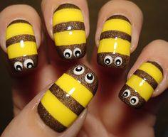 Little Miss Nailpolish: Holographic Bumblebee Nails - swatches Bumble Bee Nails, Bumble Bee Tattoo, Nail Art For Kids, Cool Nail Art, Get Nails, Hair And Nails, Bee Makeup, Nail Polish Storage, Creative Nail Designs