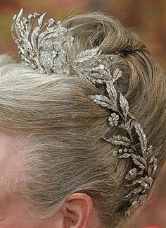 Floral Aigrette Tiara (borrowed from the Danish Tiara Collection); Worn At: 2015 New Year's Court
