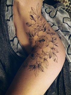 Flower Hip Tattoos, Hip Thigh Tattoos, Tattoo Flowers, Body Tattoos, Small Tattoos, Piercing Tattoo, Piercings, Pretty Tattoos, Future Tattoos