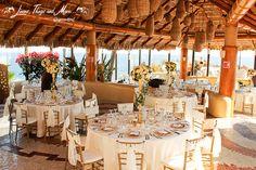 Elegant decor for a very romantic wedding at Sunset Da MonaLisa