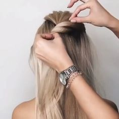 Easy diy hairstyles & einfache diy frisuren & coiffures bricolage faciles & peinados f… in 2020 Bun Hairstyles For Long Hair, Braided Hairstyles, Simple Hairstyles, Hair Extension Hairstyles, Rainy Day Hairstyles, Nurse Hairstyles, Easy Updos For Long Hair, Ponytail Hairstyles Tutorial, Office Hairstyles