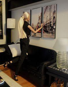 Hang the paintings. Perfect Elise | OLYMPUS DIGITAL CAMERA | Flickr