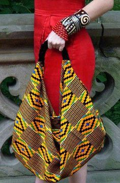 Fashion African The Rudene Slouch Bag by House of Rubi. I love this funky boho chic Kente slouch bag African Inspired Fashion, African Print Fashion, Africa Fashion, Fashion Prints, Style Fashion, Fashion Outfits, Fashion Tips, African Attire, African Wear