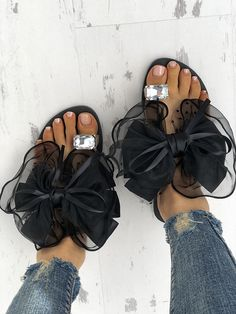Fashion Cute Big Bow Tie Sandals Non Slip Flat Sandals Source by baby_lydia Trend Fashion, Fashion Shoes, Style Fashion, Fashion Slippers, Fashion Ideas, Fashion Tips, Open Toe Sandals, Flat Sandals, Shoes Sandals