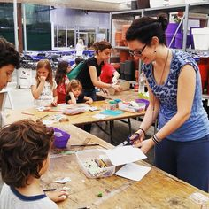 Muy cotrentos por haber podido participar con un taller de #manualidades y #pintacaras en la animada fiesta de cumpleaños de @corma_sccl : felicidades y por muchos años más!!! #taller #fiesta #premià #plantas #niños